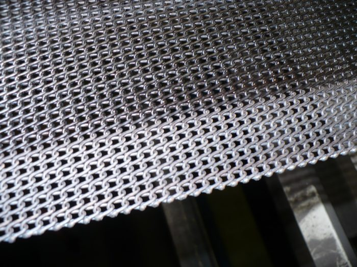 Z-belt with a very regular mesh pattern (type F4015) installed in an oven